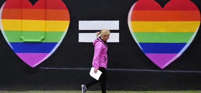 Eşcinsel evlilik Slovenya'da artık yasal