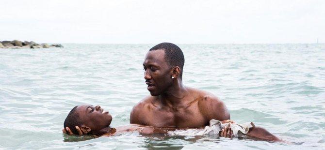İlk kez LGBTİ temalı bir yapım en iyi film Oscar'ını aldı: Moonlight