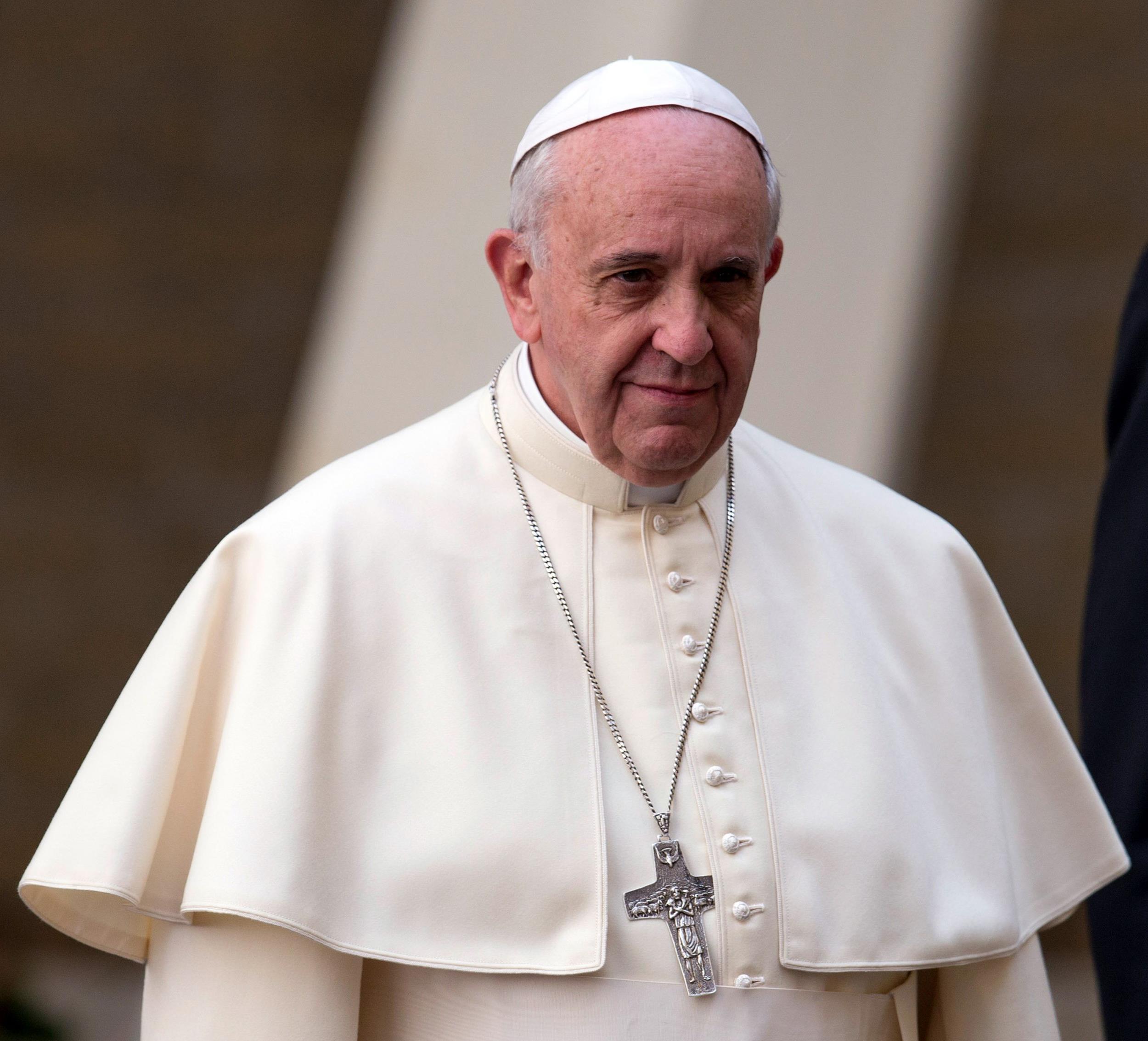 Papa taciz kurbanlarıyla görüşecek