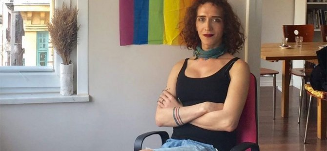 LGBTİ yöneticisi Kıvılcım Arat, Atatürk Havalimanı'nda gözaltına alındı