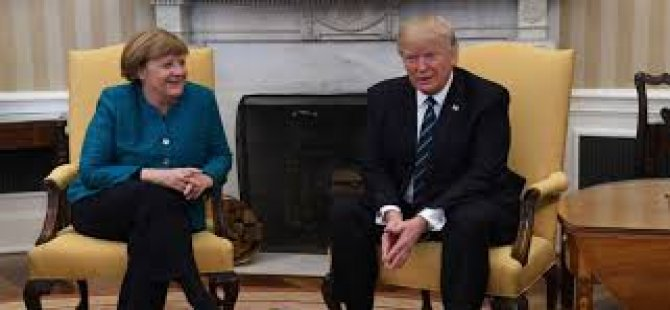 Trump'ın Merkel'in elini sıkmamasI ABD'de günün konusu