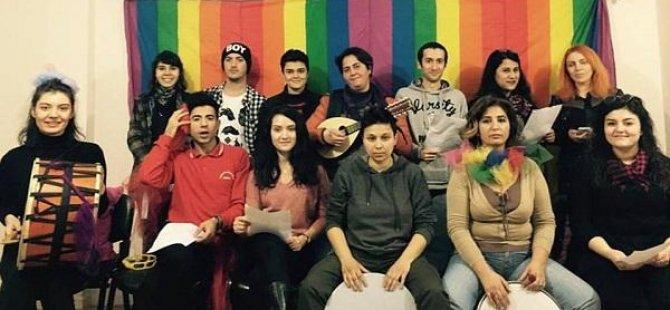 Hollanda sana söylüyorum, LGBTİ'ler siz anlayın
