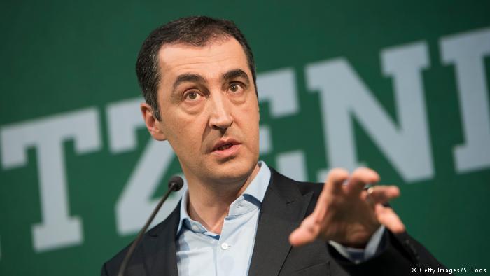 Cem Özdemir ve Michel Barnier'in koronavirüs testi pozitif çıktı