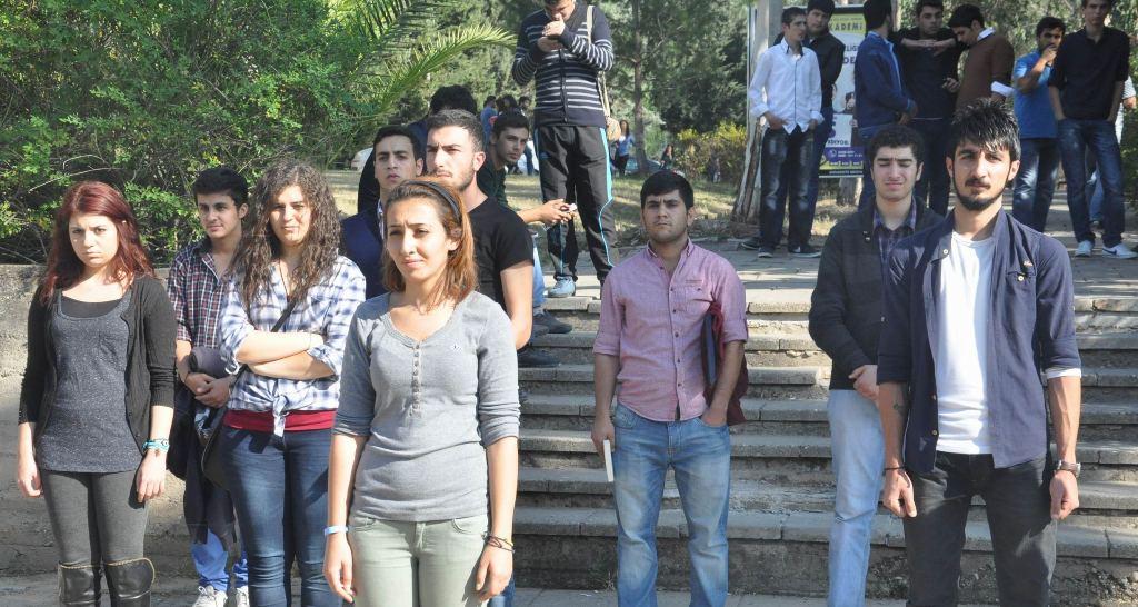 Öğrenciler hükümete veryansın etti