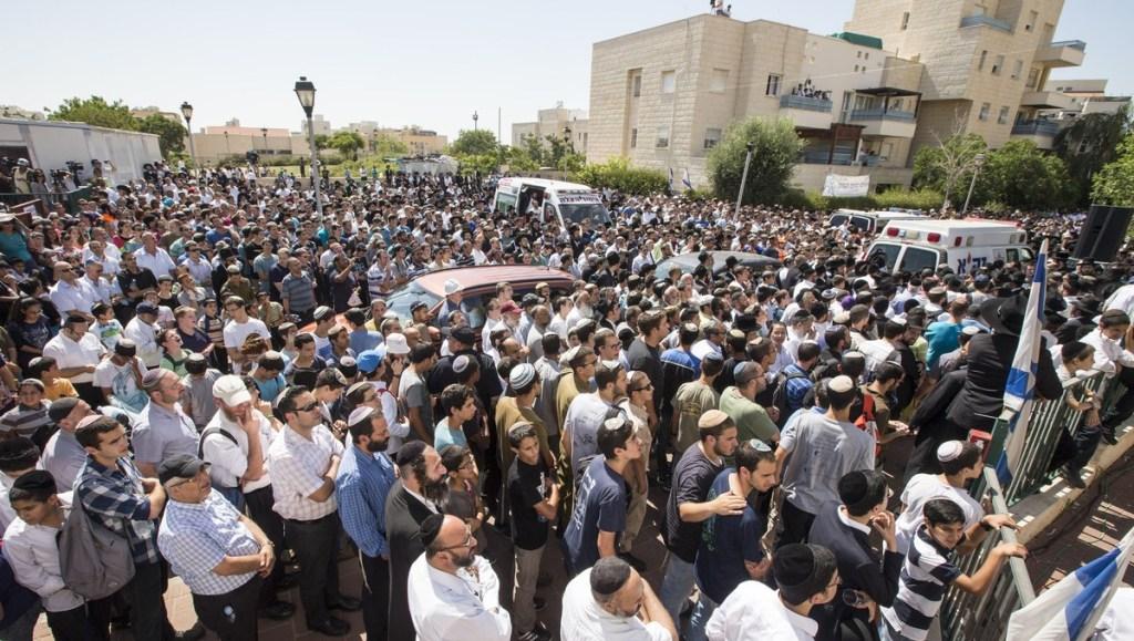 İsrail şimdi de hastane bombaladı