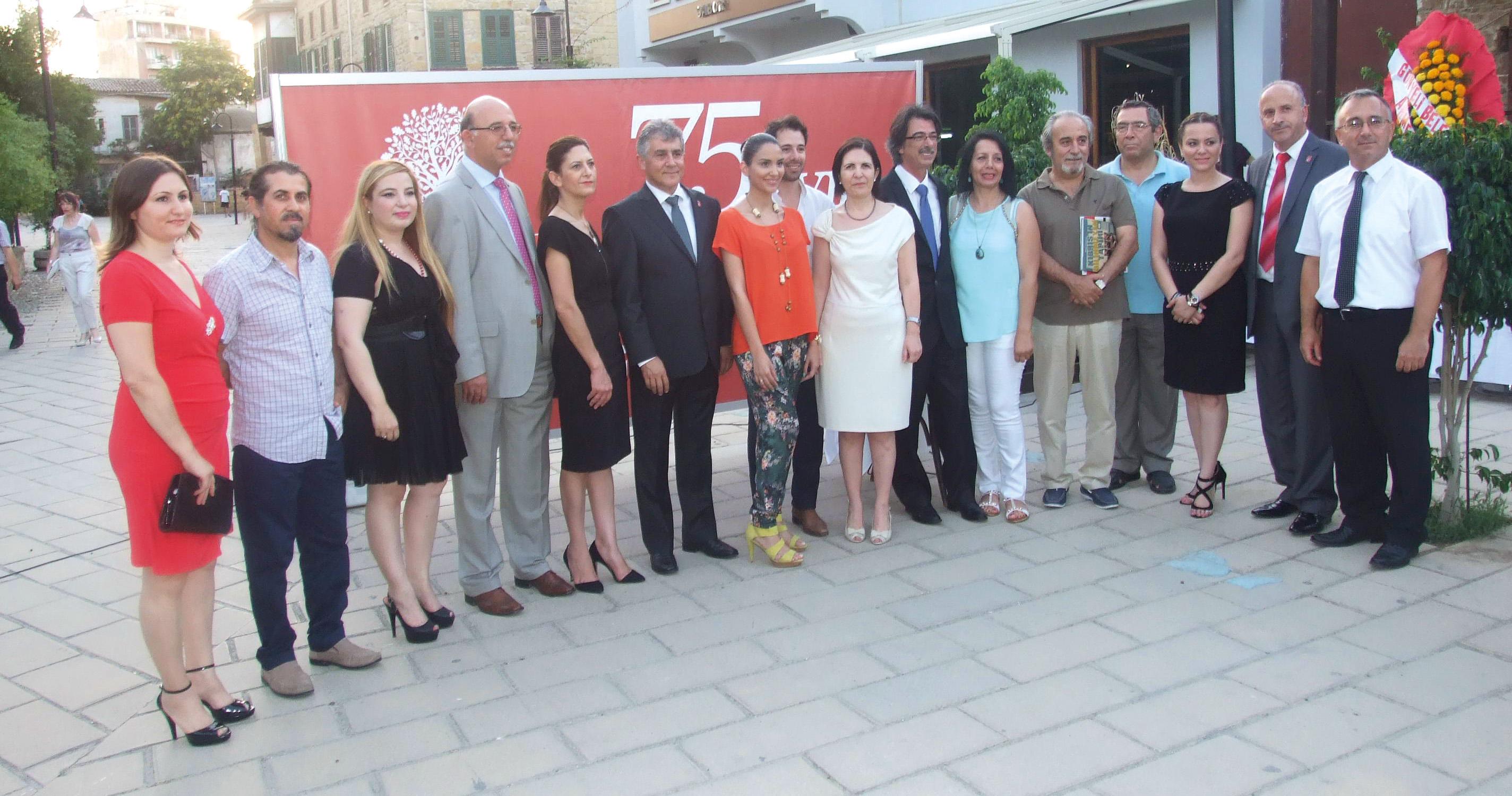"""Rauf Ersenal """"Kıbrıs'ın Bilinmeyen Tarihi""""ni yazdı"""