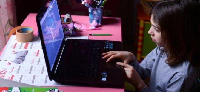 İtalya'da çocukları siber zorbalıktan koruma yasası