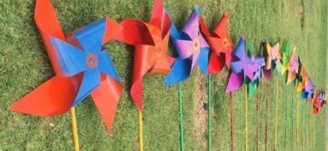 Homofobiye karşı rüzgar gülleri hazırlandı