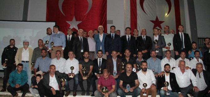 Başbakan Özgürgün, Kıbrıs Türk Futbol Antrenörleri Derneği ödül törenine katıldı