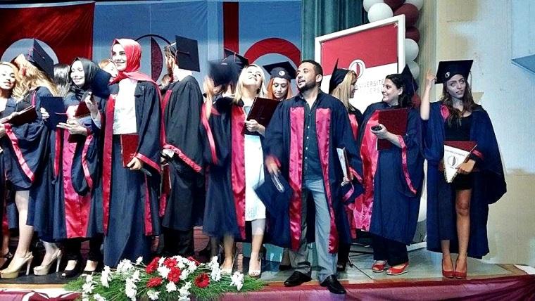 YDÜ Atatürk Eğitim Fakültesi yeni mezunlarını verdi
