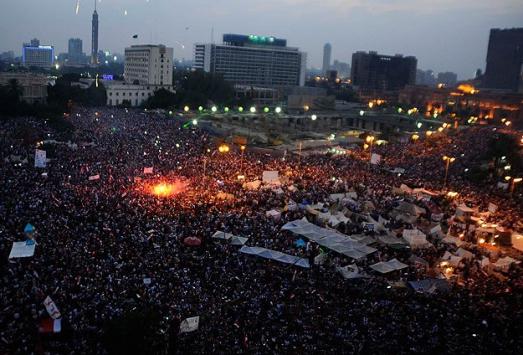 Mısır'da anayasa ilanına tepkiler