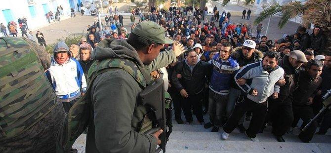 Tunus'un güneyindeki gösteriler yakıt piyasasında zarara yol açtı