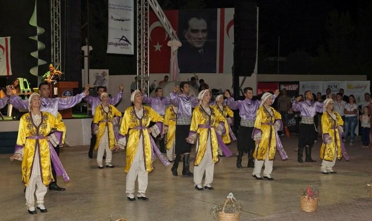 İskele Festivali'nde Horonlar Tepildi