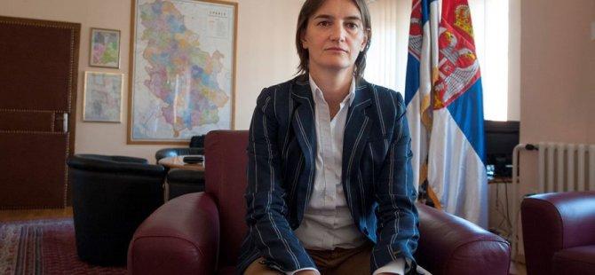 Sırbistan'da eşcinsel Başbakan tartışması büyüyor