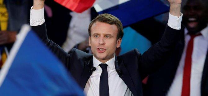 Fransa'da sandıktan Macron çıktı