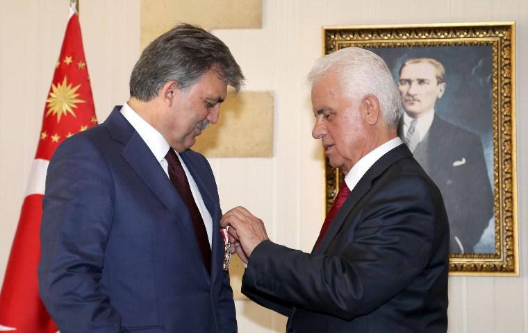 Türkiye Cumhurbaşkanı Gül'e Devlet Nişanı takdim edildi
