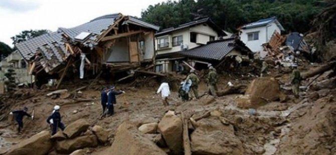Çin'de heyelan köyü yok etti