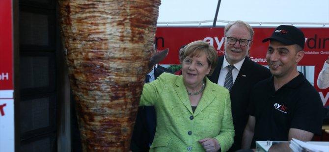 Merkel'den, Erdoğan'ın duyurduğu dörtlü zirve hakkında açıklama