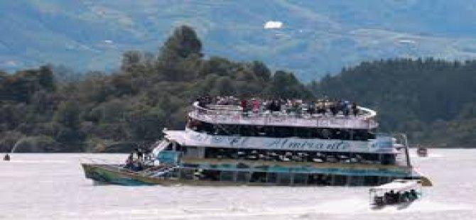 Kolombiya'daki tekne kazası
