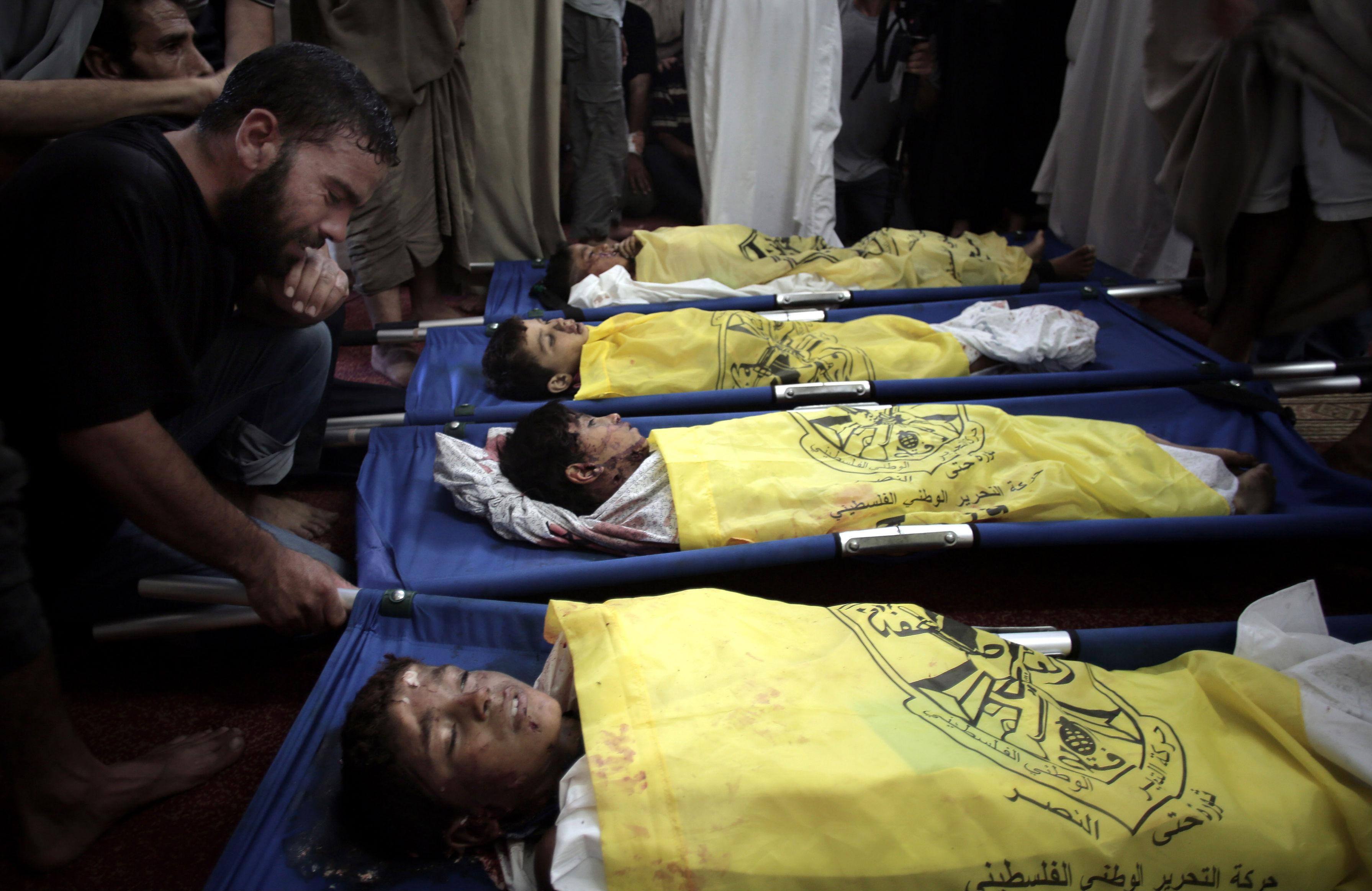 BM: Gazze'de her saat en az bir çocuk ölüyor
