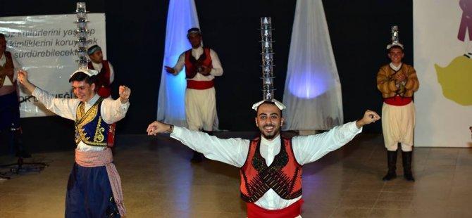Folk-Der Lefkoşa'yı halk dansına doyurdu