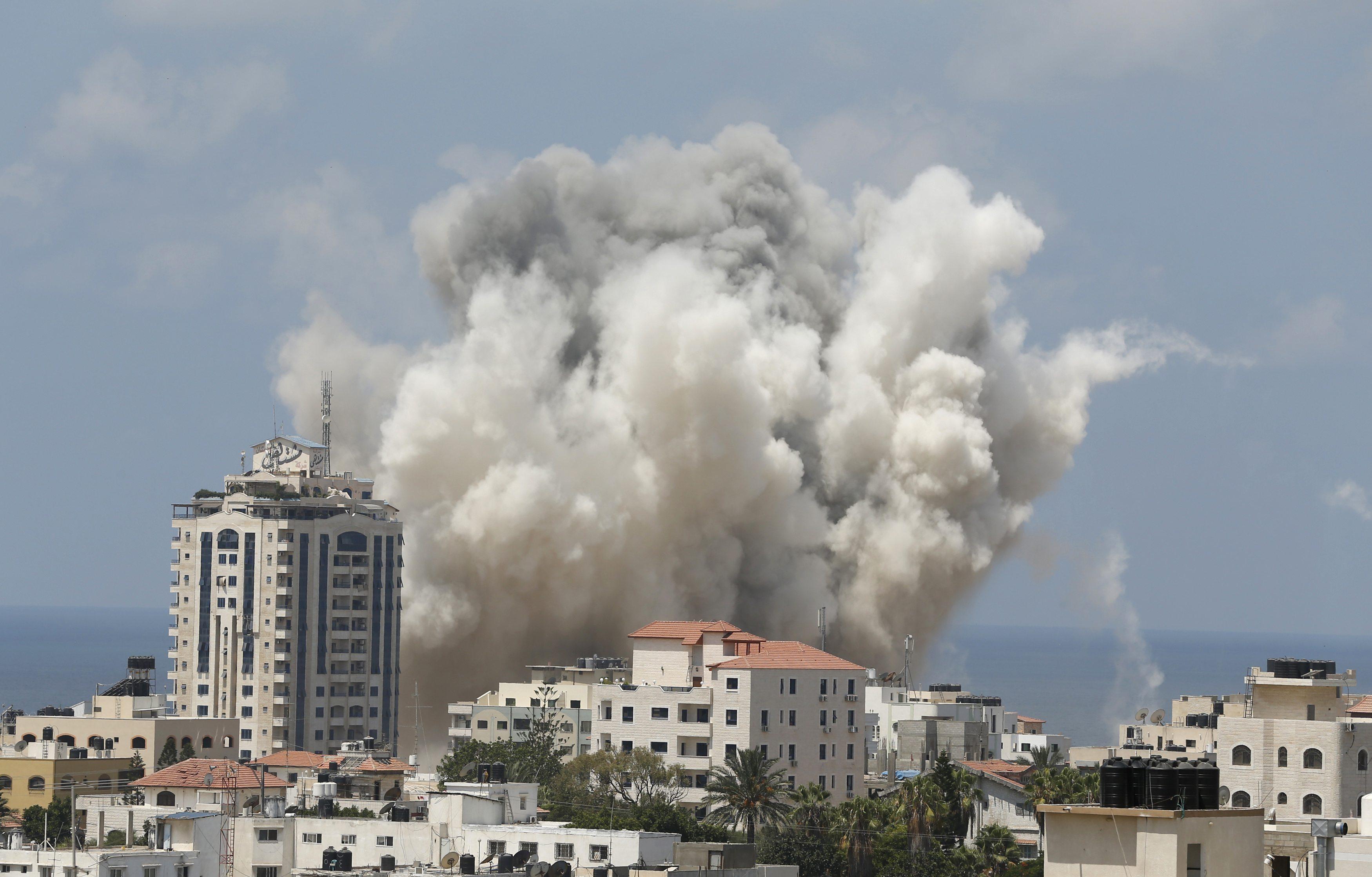 Gazze'de yeni ateşkes gergin başladı