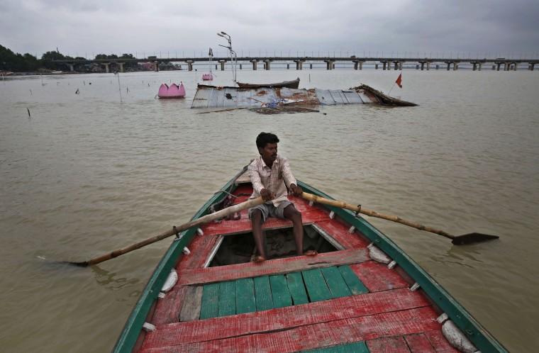 Nepal ve Hindistan'da sel felâketi: 160 ölü