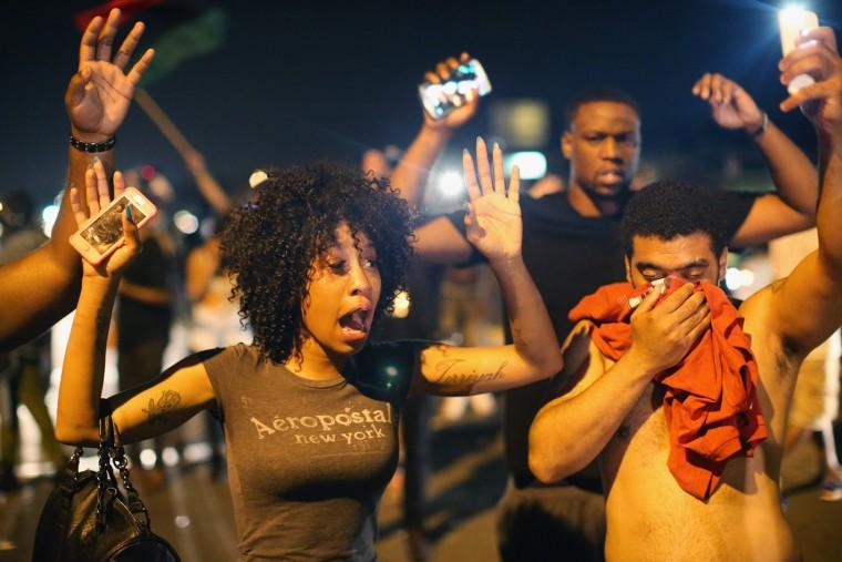 Obama Ferguson'daki protestoları durduramadı