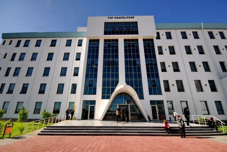 YDÜ Tıp Fakültesi Malezya'daki uluslararası kongreye katıldı