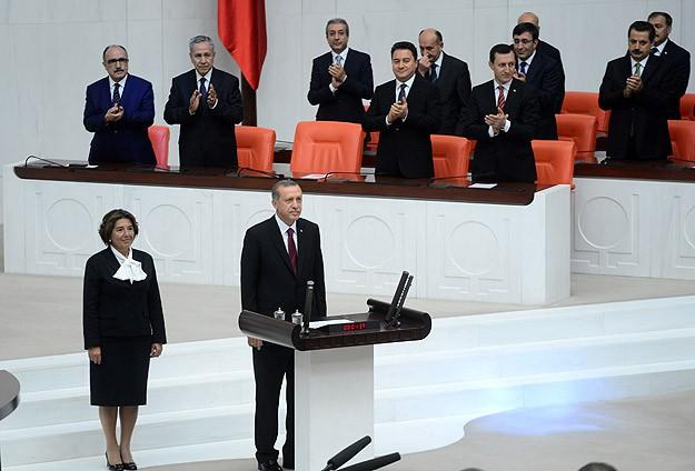 Erdoğan göreve başladı