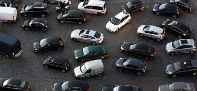 Paris fosil yakıtlı araçlara kapısını kapatıyor
