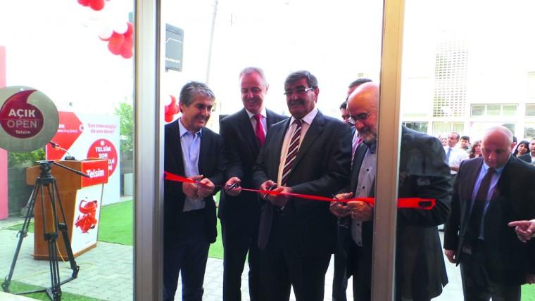 Telsim'in global konseptteki ilk mağazası açıldı