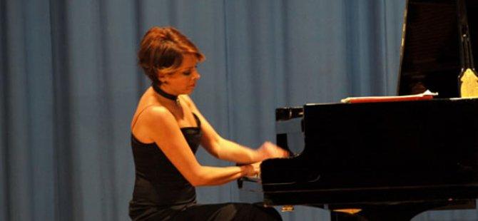 Rüya Taner 2017-2018 resital ve konserler sezonunu sona erdiriyor