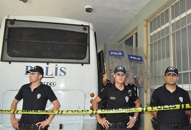 """""""Paralel yapı"""" operasyonunda 3 tutuklama"""