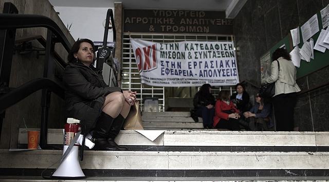 Yunanistan acı reçeteye hazırlanıyor
