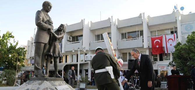 Dr. Küçük'ün büstü önünde anma töreni düzenlendi