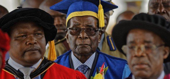 Zimbabve lideri Mugabe askeri müdahale sonrası ilk kez halkın karşısına çıktı