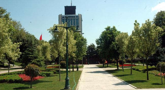Taksim Gezi Parkı bugün halka açılıyor.