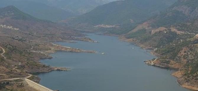 Türkiye'den gelen su yerleşim birimlerine ulaştı