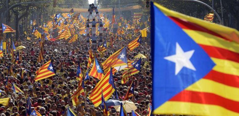 Katalanlar gövde gösterisi yaptı