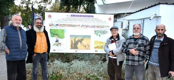 Girne'ye karikatürlü panolar