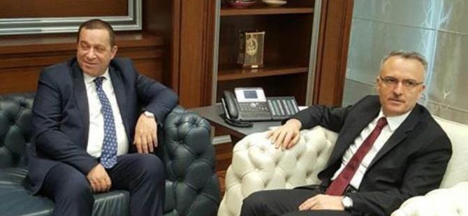 Denktaş, TC Maliye Bakanı Ağbal ile görüştü