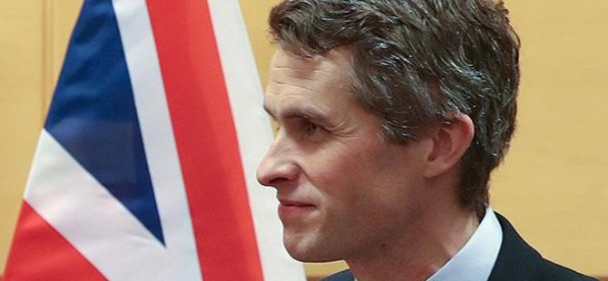 İngiltere Savunma Bakanı: Suriye'ye yönelik hava harekatı başarılı oldu
