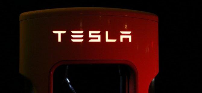 Tesla'dan 710 milyon dolarlık rekor zarar