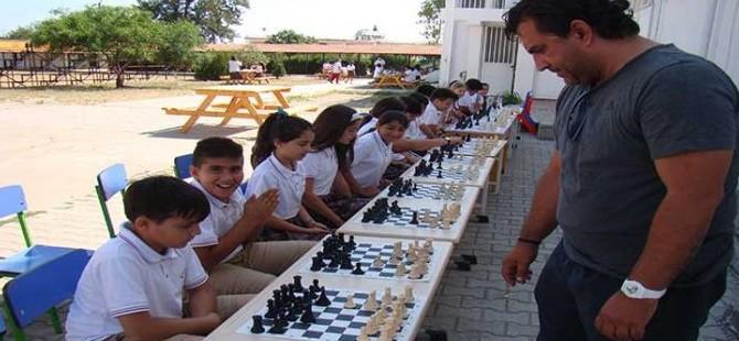 Çatalköy'de satranç şöleni