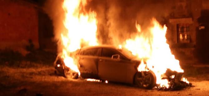 Park halindeki araçta yangın