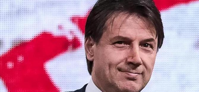 İtalya'da popülistlerin başbakan adayı bir profesör