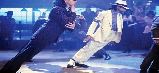 Michael Jackson'ın 45 derecelik duruşunun sırrı çözüldü