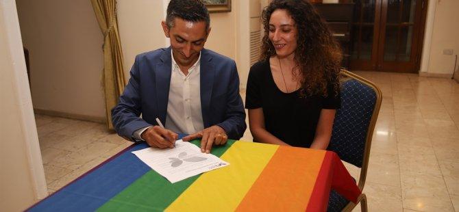 """""""LGBTİ+ dostu belediyecilik Protokolü""""nü Birol Karaman da imzaladı"""