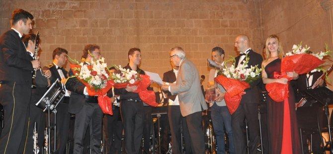 Bellapais konserleri TÜRKİYE BULGARİSTAN sanatçıları ile devam ediyor